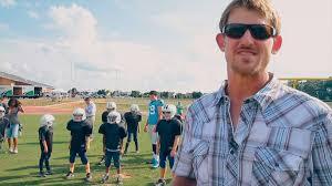 Farmer Jordan Gross In Panthers 2019 Hall of Honor Class - NFL Alumni