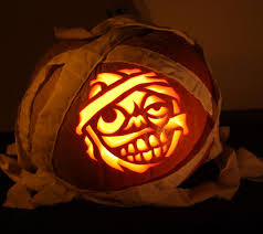 11. funny zombie pumpkin carving