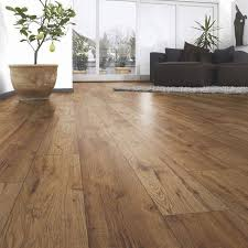 ostend natural oxford oak effect laminate flooring 1 76 m pack sgering b q dark home decor
