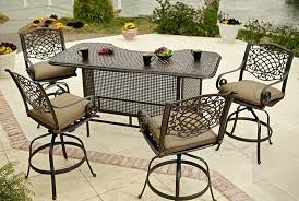 A Outdoor Swivel Bar Stools With Back
