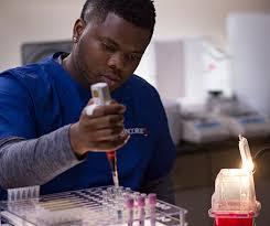 Medical Lab Tech Associate's Degree Program | Concorde