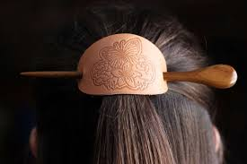 featured image for leather hair clip with 3d printed stamp 120329