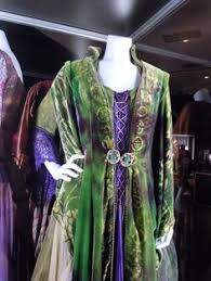 hocus pocus bette midler costume actual costume look at the lil symbols you can