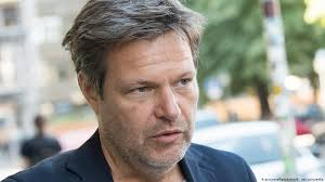 Der tag, an dem ich meinen toten mann traf. German Green Party Chief Robert Habeck Quits Twitter After Data Hack Germany News And In Depth Reporting From Berlin And Beyond Dw 07 01 2019
