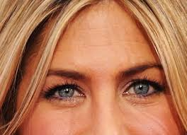 according to our recent poll 48 percent of you wish jennifer aniston would do something more adventurous with her hair and makeup for a change