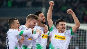 Maybe you would like to learn more about one of these? Gladbach Feiert Sieg Gegen Fc Bayern Sport Sz De