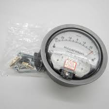 gas manometer. +/-250pa digital analog differential pressure negative meter manometer gas with high precision