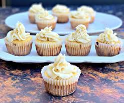 Keto Low Carb Gluten Free Vanilla Cupcakes With Buttercream Frosting