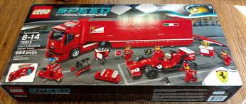 De set is inclusief 6 minifiguren met diverse accessoires: F14 T Scuderia Ferrari Truck Set New In Box Sealed Lego Speed Champions 75913