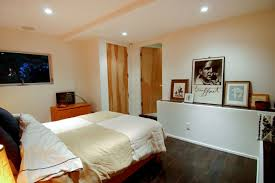 Minimalist Bedroom Decor Minimalist Bedroom Decorating Ideas Upikicom