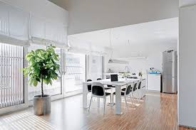 Contemporary Dining Room Decor Modern Italian Apartment With - Modern modern modern dining room lighting