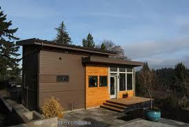 A grandmother's modern backyard cottage | microhouse