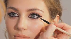 how to apply eyeliner for almond eyes how to recognise that you have almond eyes