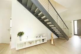 Entdecken sie verschiedene treppenarten, materialien & handläufe mit geländer! Luxushaus Villa Waldsee Ein Fertighaus Von Gussek Haus