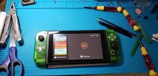 Game thủ tự tay chế máy chơi game Nintendo Switch từ linh kiện mua trên mạng
