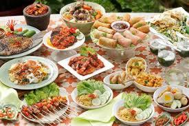 Seperti di jawa barat yang sudah memiliki ciri khas mengonsumsi sayuran mentah sebagai lalapan. 15 Makanan Khas Indonesia Yang Paling Lezat
