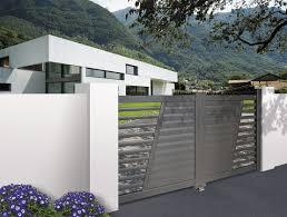 Portail Battant Alu Gamme Contemporaine Design Mod Le Aubert Portillon Aluminium Sur Mesure Portillon Contemporain En Alu Ajoure En Forme De V L