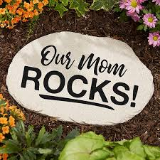 personalized garden stones our mom rocks 20467