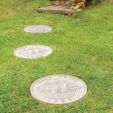 large round concrete stepping stones designs