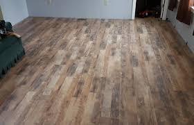 oak laminate flooring featured floor calico kitchen flooring medium size oak laminate flooring featured floor calico bull barn boardwalk oak misty morning