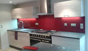 Cuisine Credence Rouge
