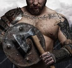 фото татуировок викингов жестокий татуировку викинг с топором и щит