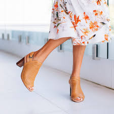 Heels Designed By Podiatrist Be The Last One Standing With Eddie Minimal Design Stylish