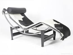 le corbusier chainse lounge lc4 in cowhide 1