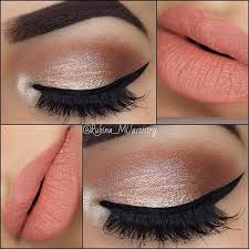 21 insanely beautiful makeup ideas for prom peach lips neutral eyes and lip makeup