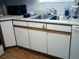 paint laminated kitchen cabinets can you refinish laminate kitchen cabinets me painting laminate kitchen cabinets you