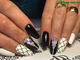 黒い要素で釘のデザイン そのような多面的な黒いマニキュアアイデア