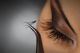 13 things you need to know before getting eyelash extensions