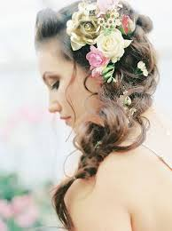 leafy green gold and elegant luxe inspiration for brides wedding hair