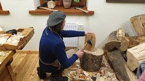 Tradicinių amatų dirbiniai gali tapti tik muziejine vertybe: norinčiųjų  mokytis mažai, o programos naikinamos - LRT