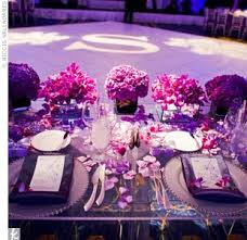 This table setting shows how you can use a variety of shades of purple and  make it look gorgeous!