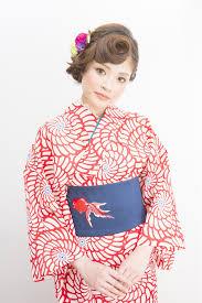 浴衣ちょっぴりレトロがかわいい浴衣に合うヘアアレンジ Naver まとめ