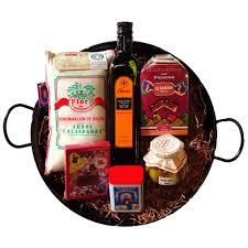chef quality paella gift set with spanish delicacies