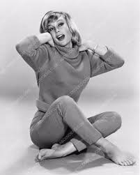 stunning and barefoot Barbara Eden portrait 1482-07 – ABCDVDVIDEO