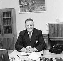 Hugh Watt - Wikipedia