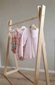 Mengeringkan pakaian di tali jemuran merupakan cara yang ramah lingkungan. 30 Ide Model Jemuran Baju Dari Bambu Maria Space