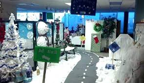 Christmas decoration in office Polar Express Office Cubicle Christmas Decorating Ideas Cube Decorating Ideas Ideas To Decorate Your Office Cubicle For Cubicle Christmas Snydle Snow Globe Cubicle Decorating Awesome Office Cubicle Decoration For