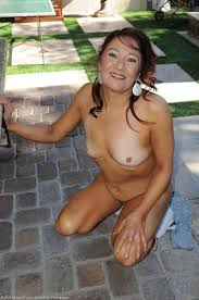 Horny mature Renee Black takes off her jean shorts Pichunter.