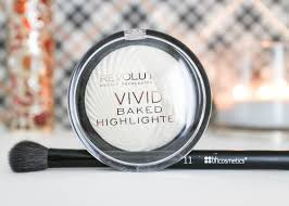 Makeup Revolution Vivid Baked Highlighter In Golden Lights Makeup Revolution Vivid Baked Highlighter In Golden Lights