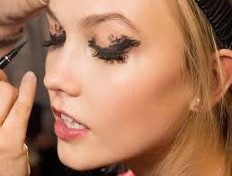 messy mascara makeup trends 2016