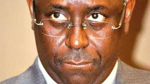Sénégal : Macky Sall a-t-il confisqué la carte d'identité de Karim Wade ?