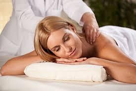 Resultado de imagem para Curso Prático de Massagem Profissional