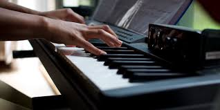 Man Who Lied About Playing Piano On Resume Asked To Perform At Work