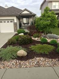 Low Maintenance Front Yard Landscaping Ideas (39)