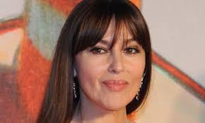 Sanremo, Monica Bellucci rimbalza Amadeus: