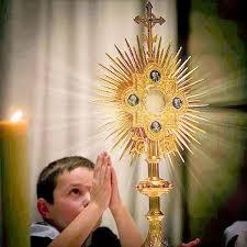 Venerar a Cristo sacramentado